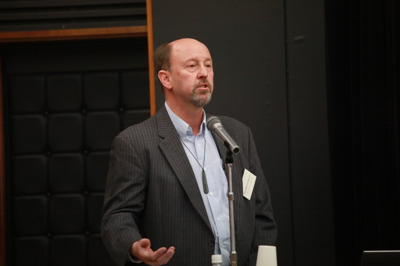 ブラッドフォード・モース(ニュージーランド・ワイカト大学法学部長)